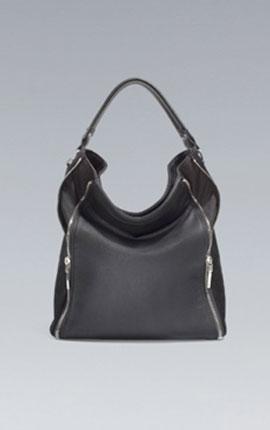 (6) A multi – purpose bucket bag. Multipurpose bucket Zara  36 x 46 x 16 cm. / 14 x 18 x 6 inches. 69.95 EUR